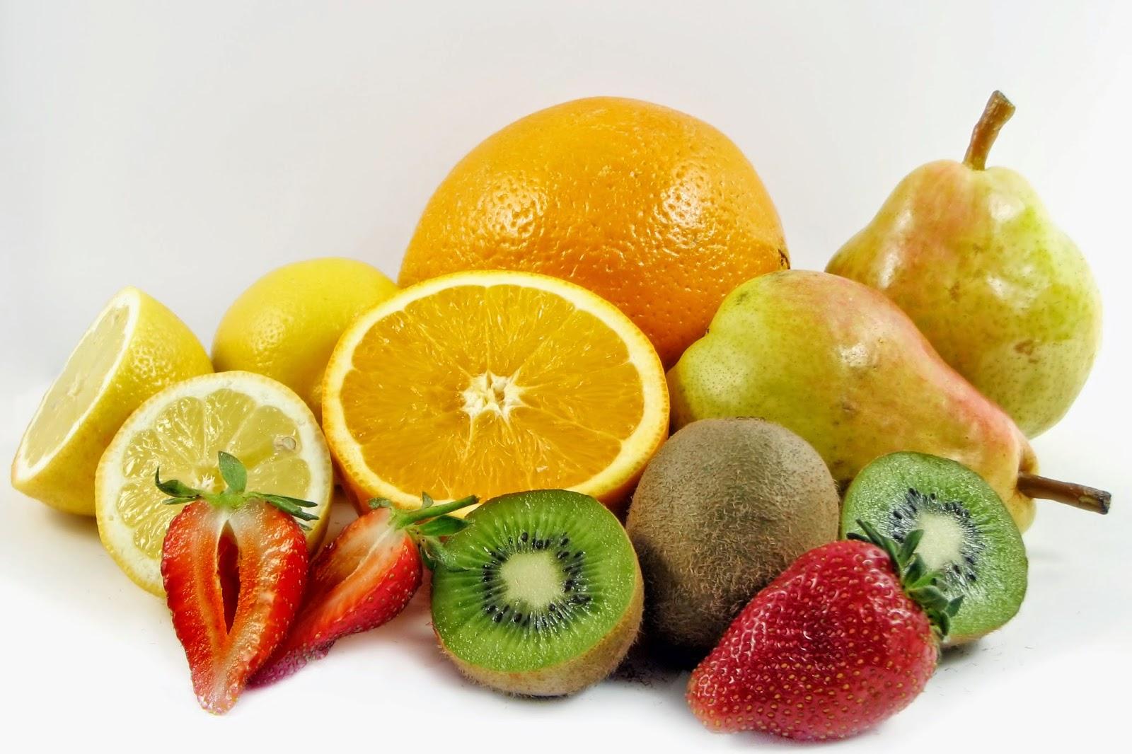 Jedzenie bez chemii – zdrowa przekąska –  pudełko warzywno-owocowe do pracy, szkoły, na wycieczkę