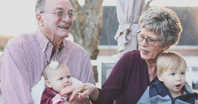 Co kupić na Dzień Babci i Dziadka?