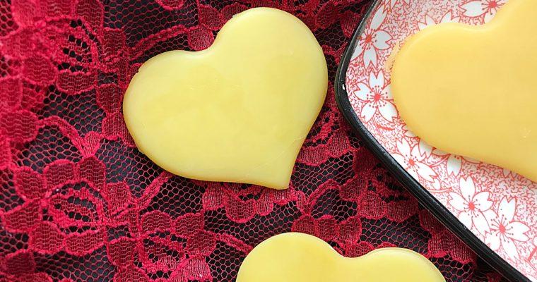 Naturalne kosmetyki na Walentynki – DIY – Walentynkowe serduszka kąpielowe